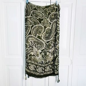 Scarf/Wrap Forest Green & Cream Paisley Pattern